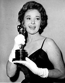 Susan_Hayward_-_1959_Oscar-1