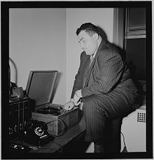 photograph_of_teddy_reig_in_new_york_ca_1946_-_1948