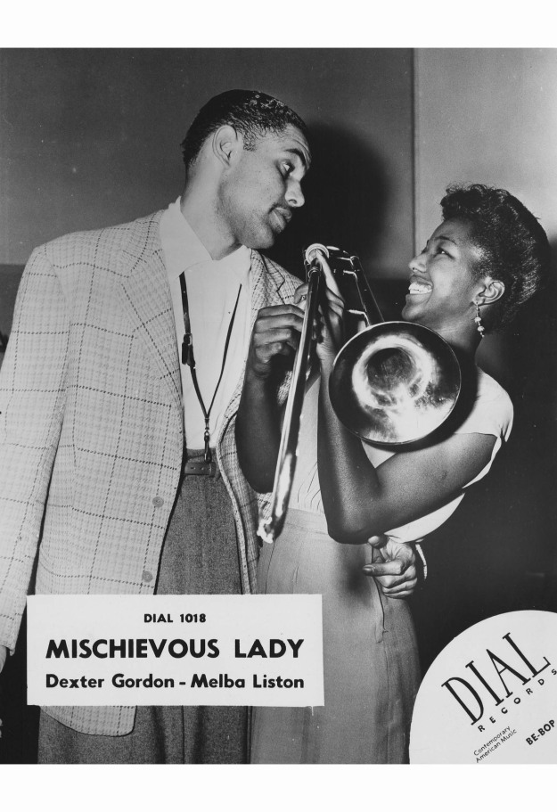 melba-liston-and-dexter-gordon-joke-around-during-a-dial-records-recording-session-on-june-5th-1947-in-los-angeles-california-c2a9-ray-whitten-copia